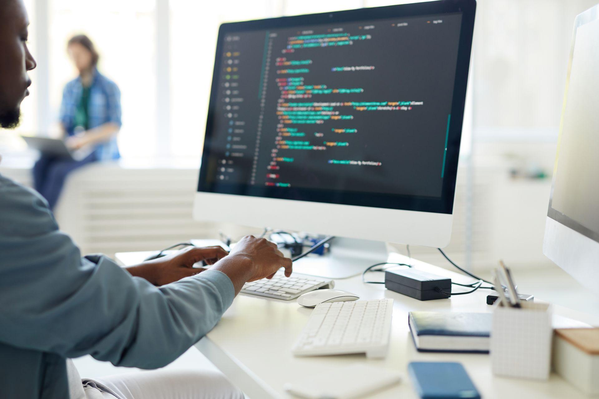Czym różni się Front End, Back End, Full Stack Developer ?